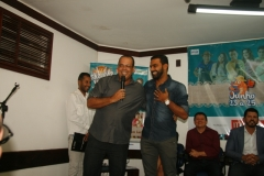Julio Oliveira e Ylan da Banda Pirilampo
