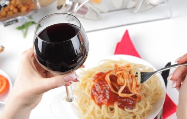 vinho-tinto-espaguete