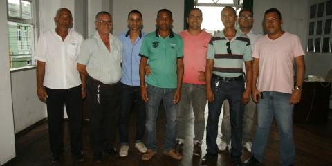 Taxistas membros do Sindicato que representa a categoria, presentes na aprovação do projeto de lei que regulamenta a profissão
