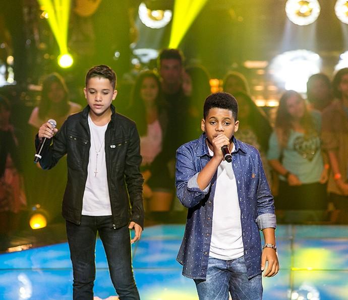 Matheus e Robert fizeram bonito com música que ficou famosa na voz de Veveta (Foto: Isabella Pinheiro/Gshow)