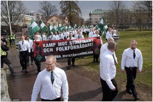 Da França à Suécia, os partidos neonazistas e xenófobos, se fortalecem à medida que as políticas anti-imigração, as deportações e cortes de direitos dos governos europeus coincidem.