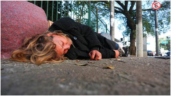 Débora Moreira Silva, moradora de rua de 36 anos