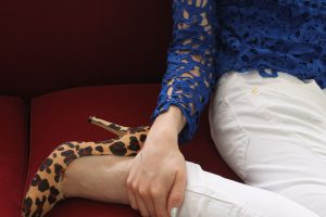 blusa-azul-rendada