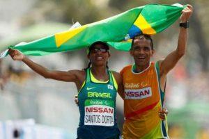 a-baiana-edneusa-de-jesus-com-a-bandeira-do-brasil-apos-levar-o-bronze