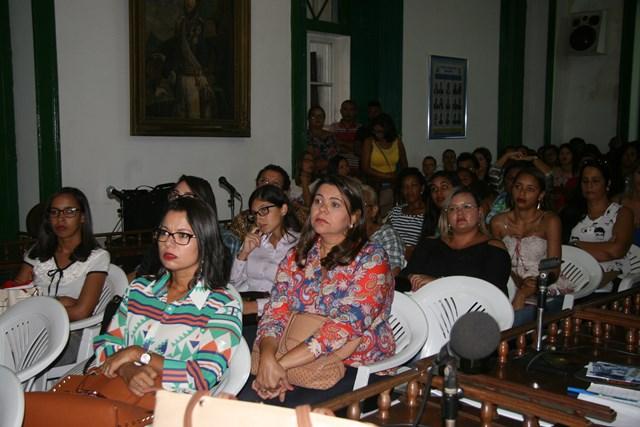 Público ouviu com atenção os depoimentos