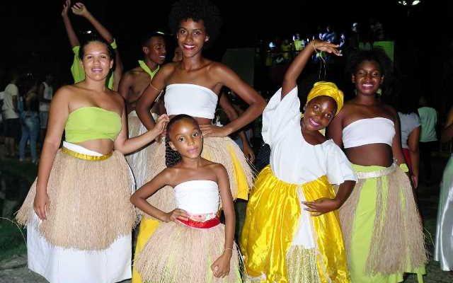Dançarinas do Grupo Afro Filhos da Terra