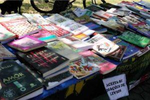 Projeto troca, aceita doações e vende livros a preços módicos