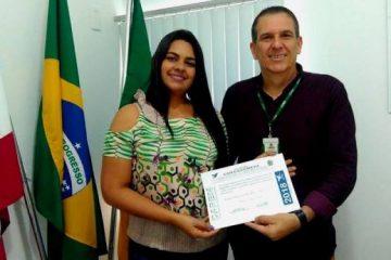 Fábio Braga entrega DAREM a Resp Técnica Tatiane Pereira
